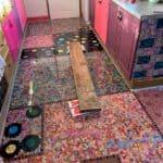 Elle avait voulu faire son plancher de cuisine à partir de disques vinyles lorsqu'elle était avec son mari, mais il avait refusé d'aller de l'avant.
