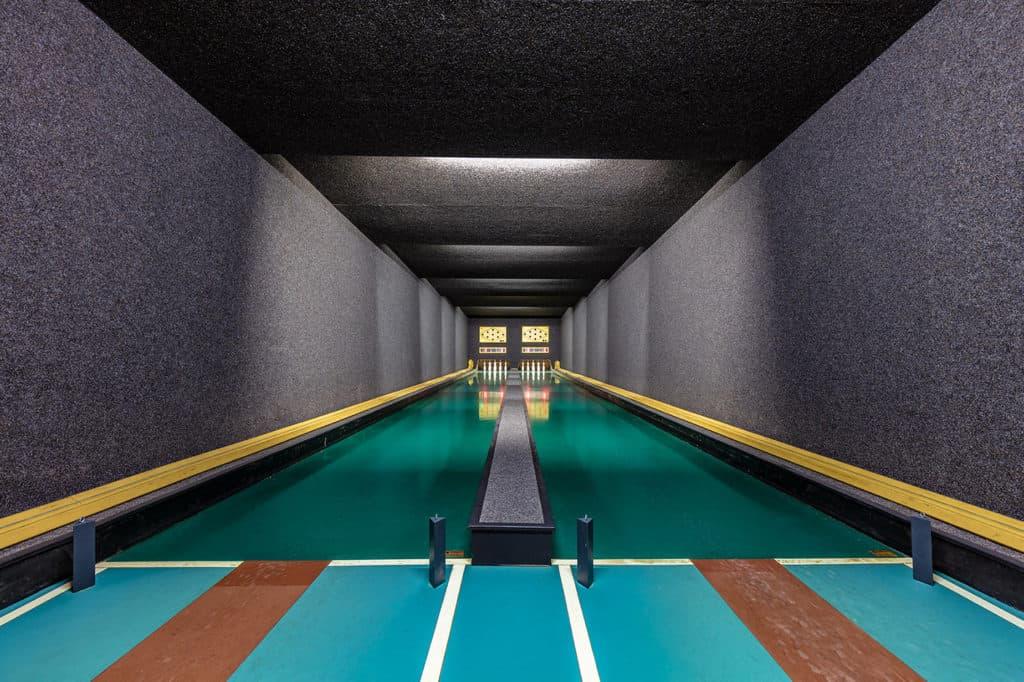 Bowling alleys de Robert Gotzfried